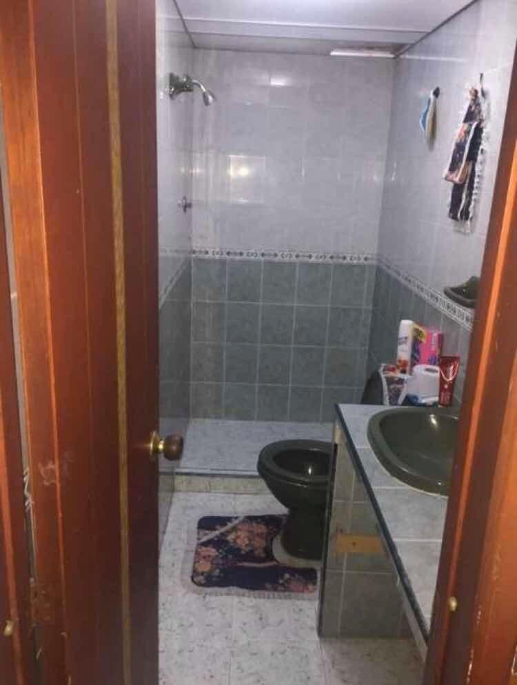 casa de 4 habitaciones con 2 baños barrio la esperanza