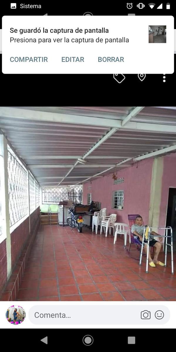 casa de 4 habitaciones , sala , comedor , patios ,porche