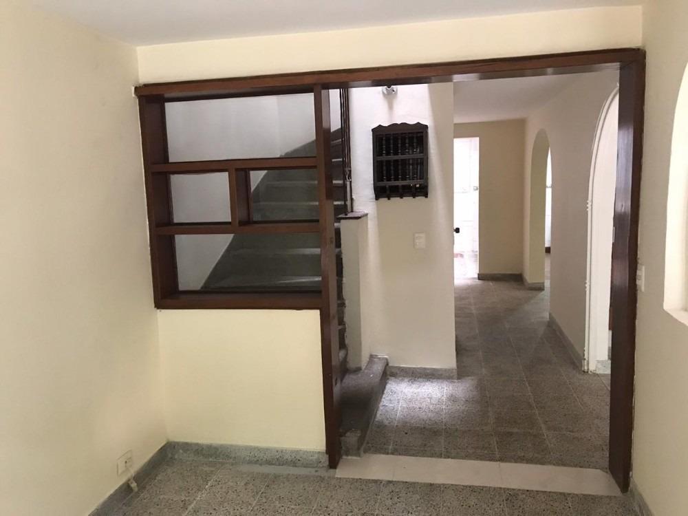 casa de 4 habitaciones y dos baños