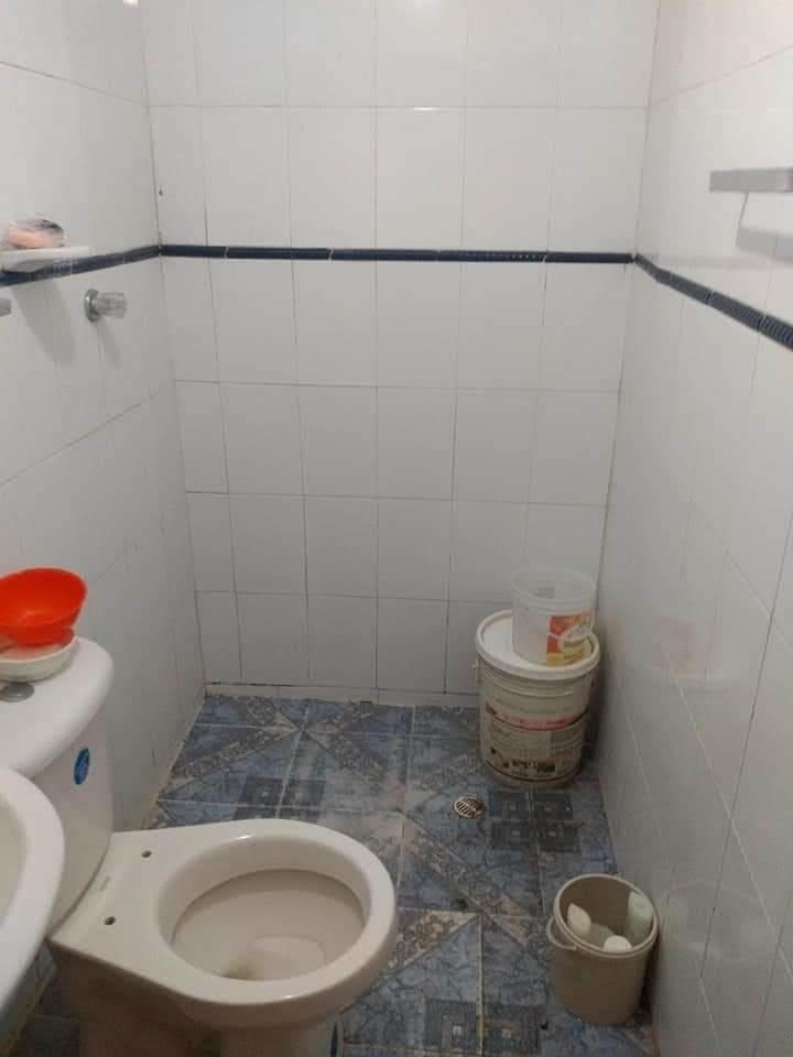 casa de 4 habitaciones y un baño