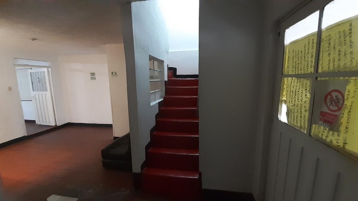 casa de 4 niveles para colegio privado o jardin