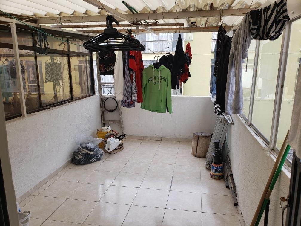 casa de 4 pisos , 5 habitaciones, 3 baños y terraza