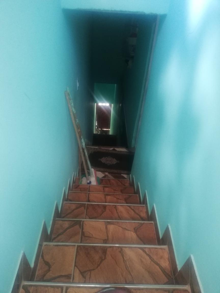 casa de 4 pisos de3 x 12