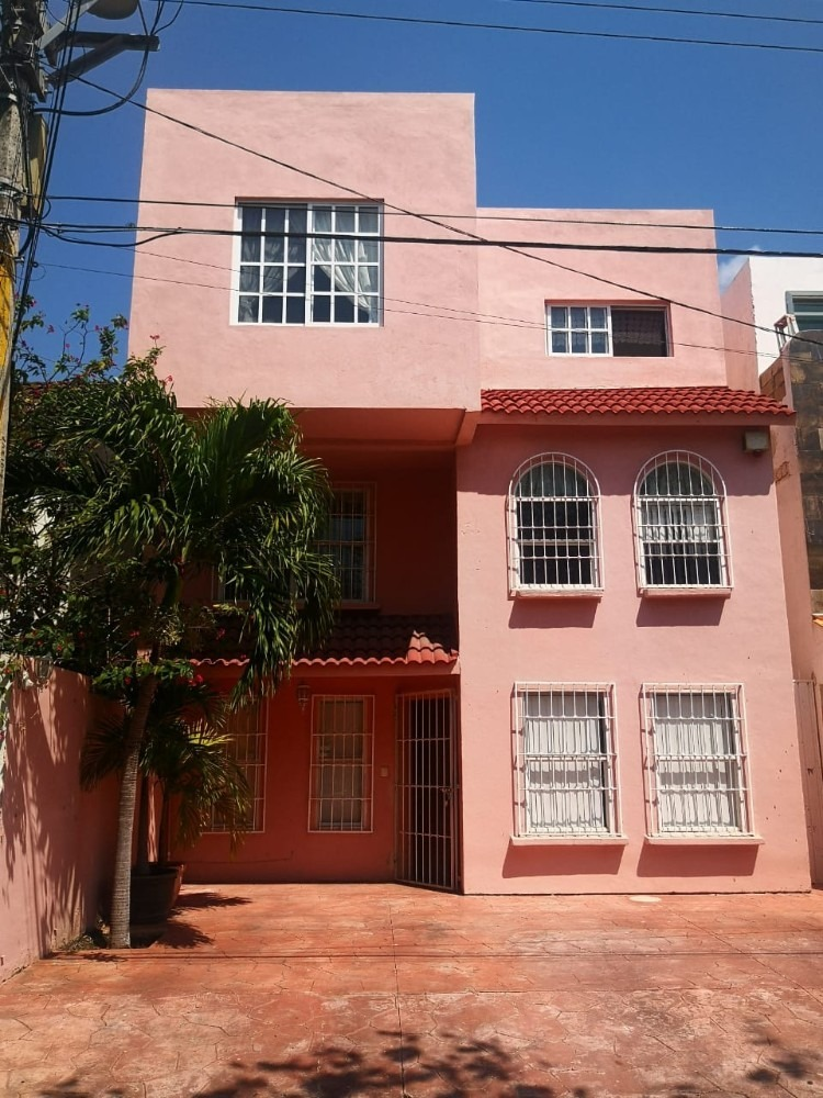 casa de 4 recámara y 3 baños ideal para negocio y/o vivienda