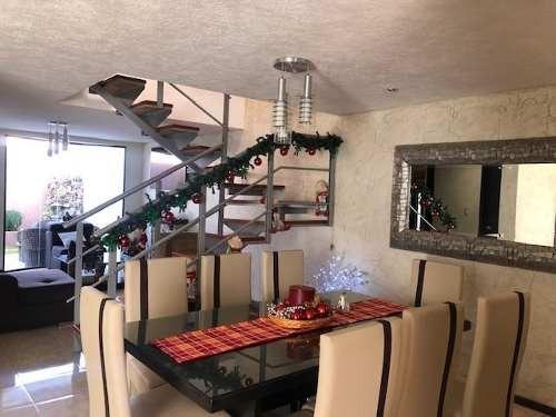 casa de 4 recamaras, en privada con alberca, equipada