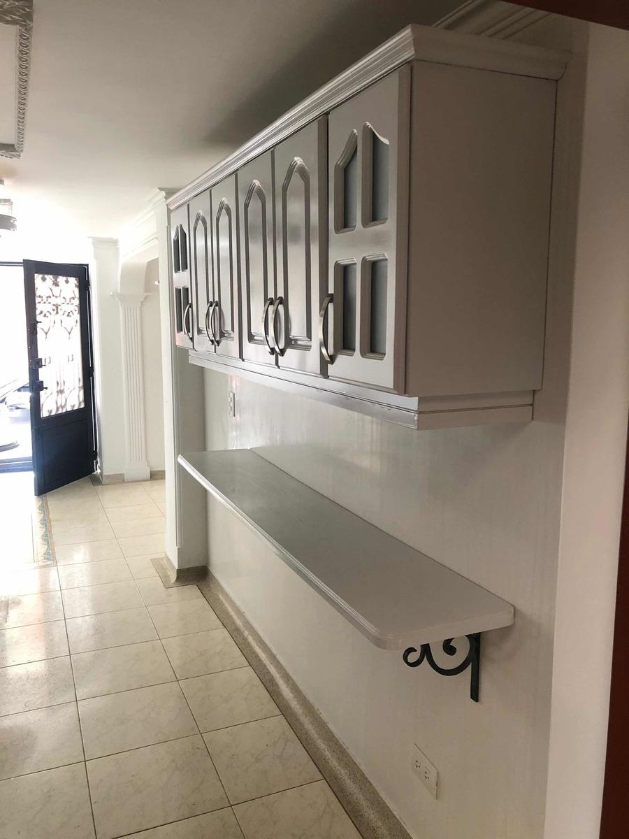 casa de 4alcobas 3 baños sala comedor cocina integral 3 nive