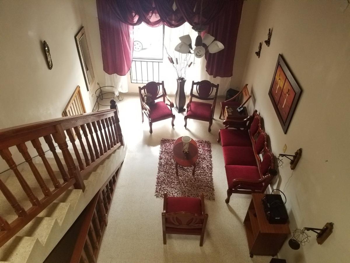 casa de 5 alcobas, 3 baños, sala, comedor, garaje