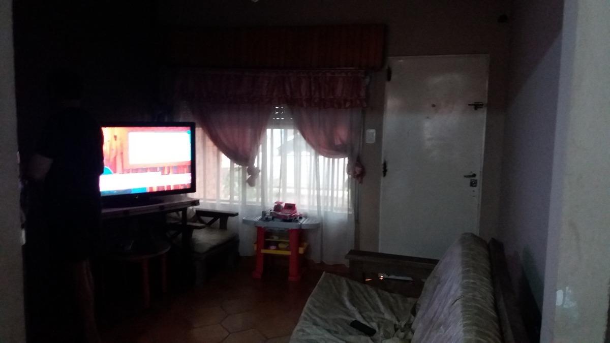 casa de 5 ambientes  2 baños y terraza