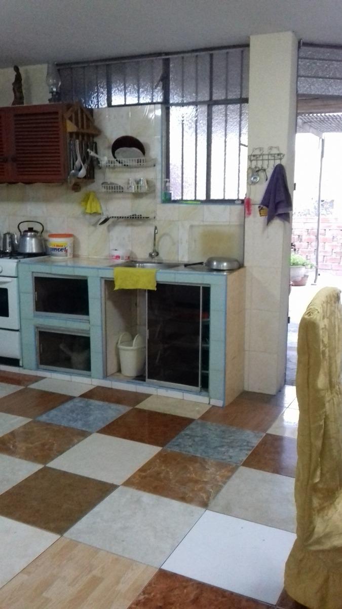 casa de 5 ambientes 3 dormitorios 1 bano sala comedor y