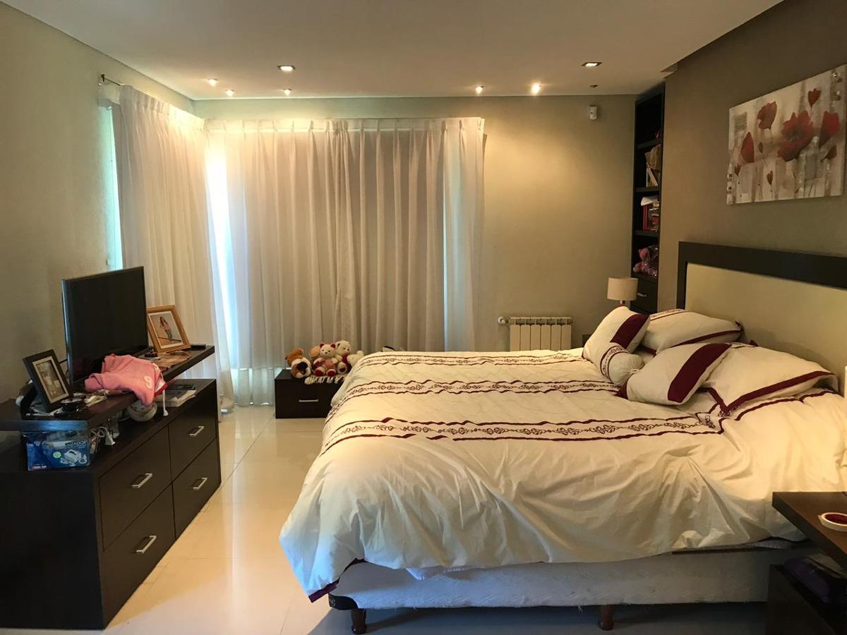 casa de 5 ambientes 4 dormitorios 4 baños