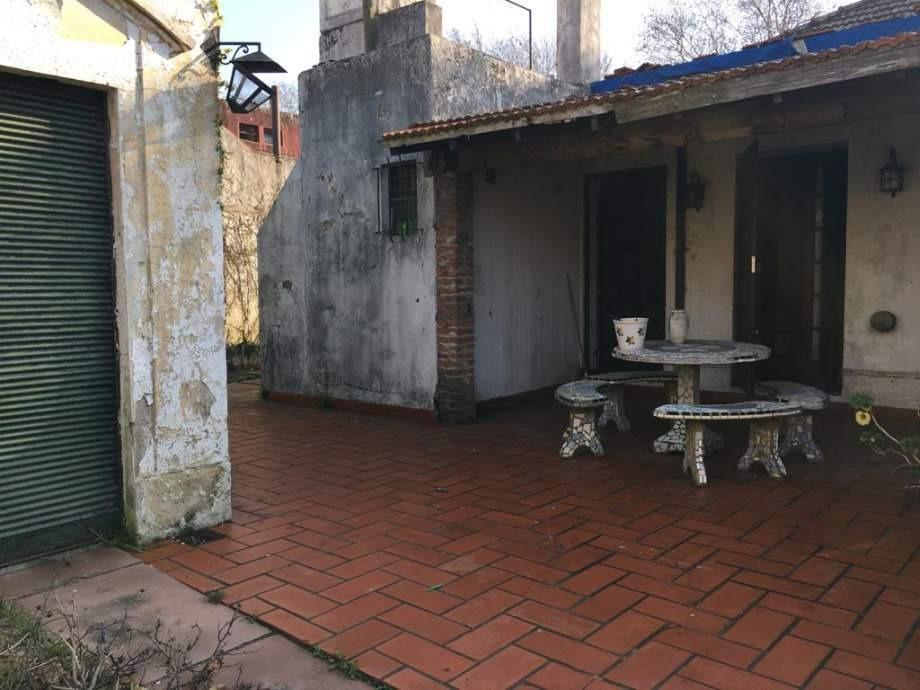 casa de 5 ambientes 4 habitaciones y 3 baños