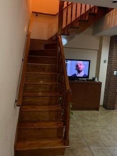 casa de 5 ambientes con amplio patio, garage y terraza