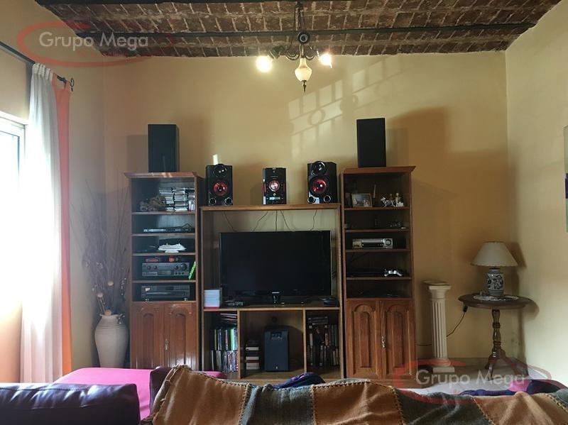 casa de 5 ambientes con terraza y playroom