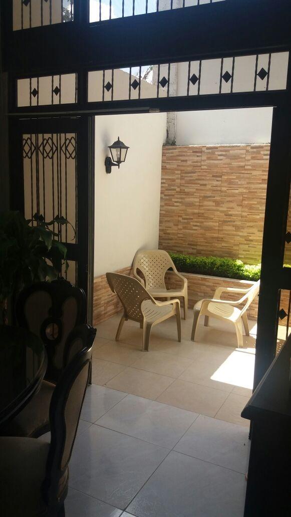 casa de 5 ambientes en exclusivo sector