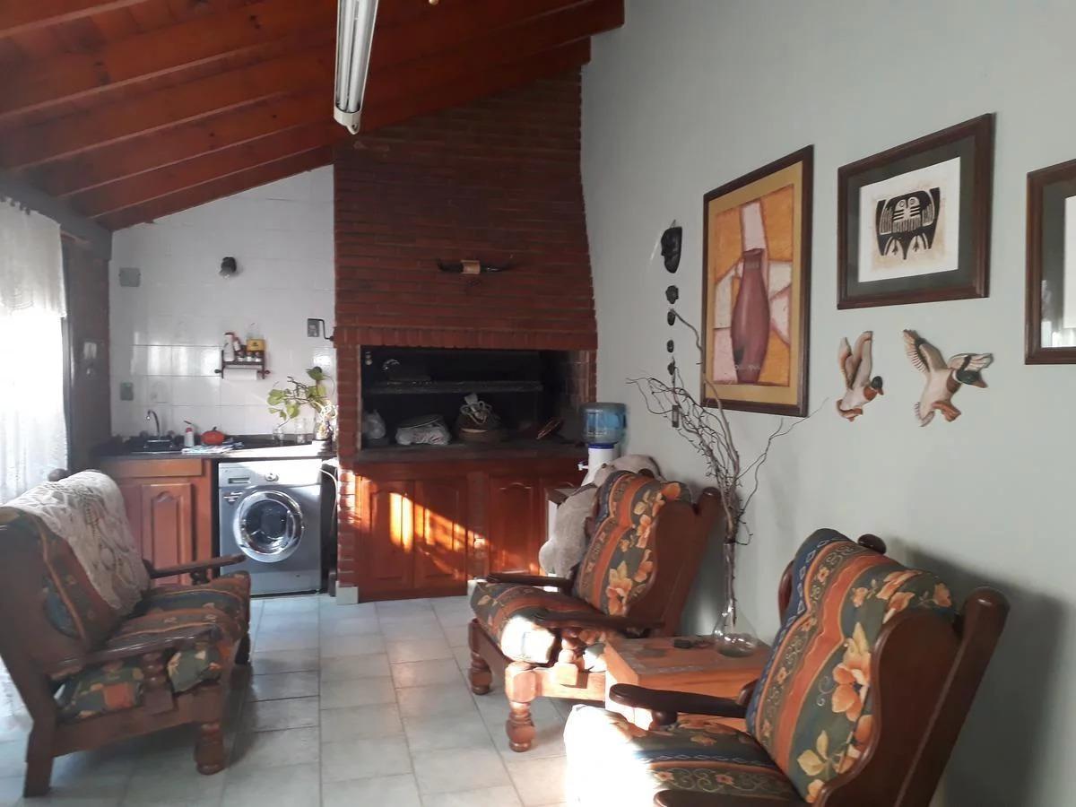 casa de 5 ambientes ezpeleta - permuta -apta credito