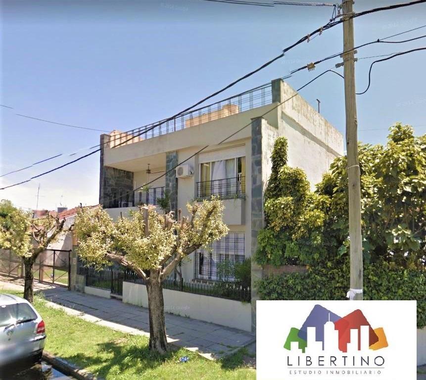 casa de 5 ambientes // villa luzuriaga // venta