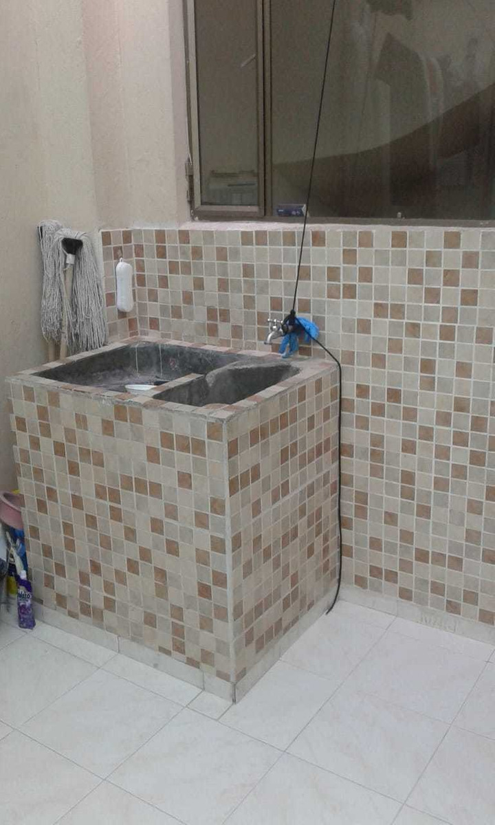 casa de 5 ambientes y 2 baños