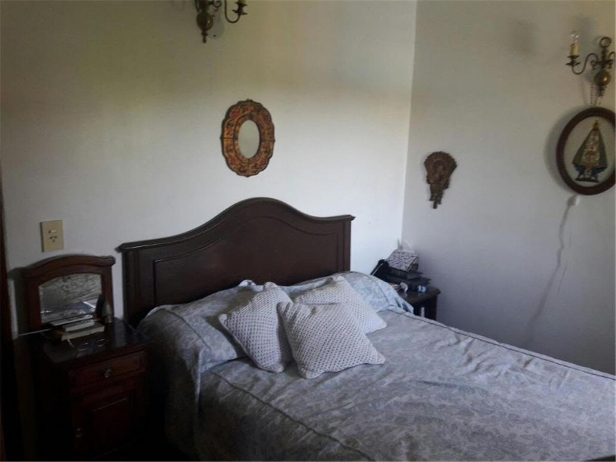 casa de 5 dormitorios mas dependencia de servicio