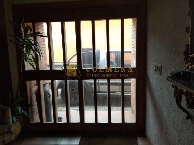 casa de 5 dormitorios y deposito. en muy buena ubicacion cerca de roosevelt y sanatorio. consulte!!!!!!!-ref:1863