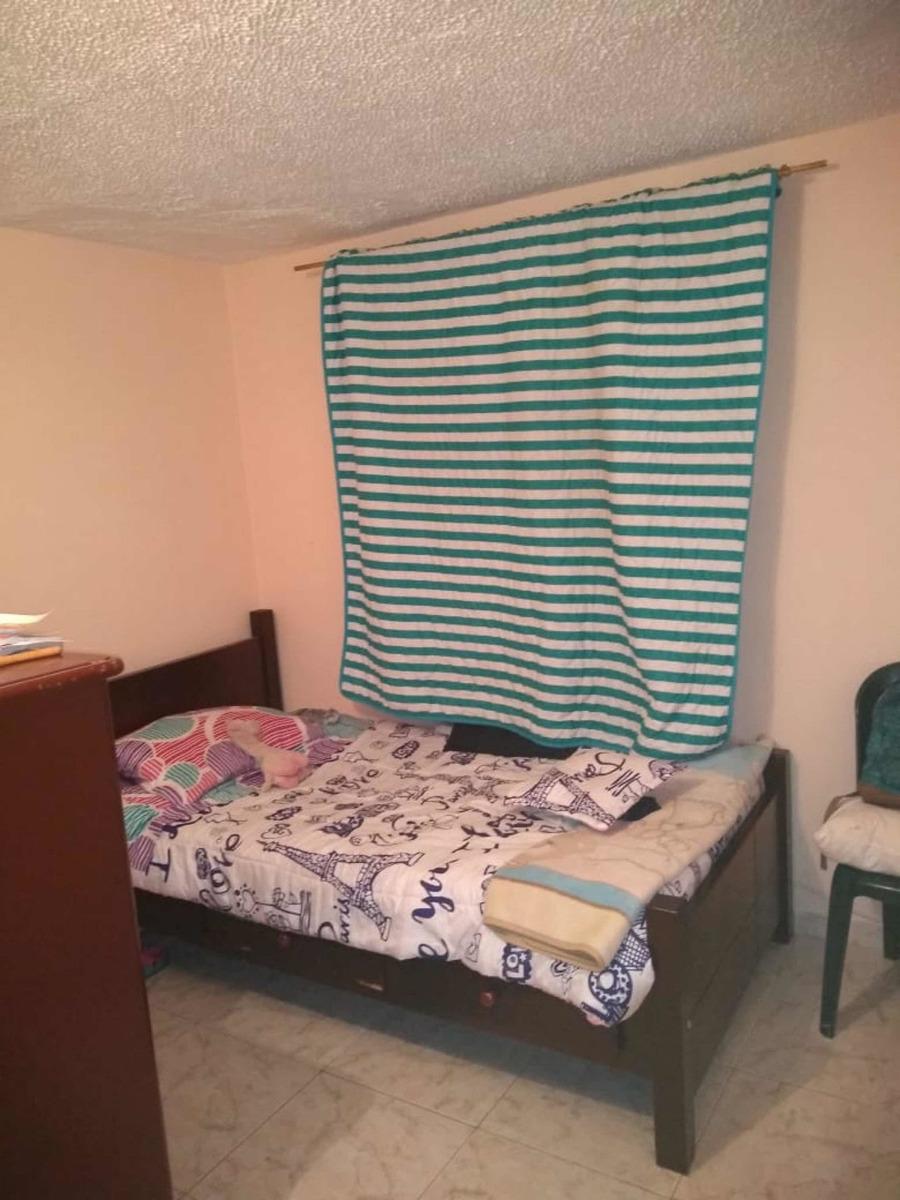 casa de 5 habitaciones, estudio, 3 baños, parqueadero comuna