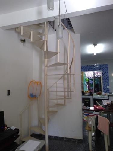 casa de 5 quartos , 3 banheiros, terraço, piscina, 3 pavimen