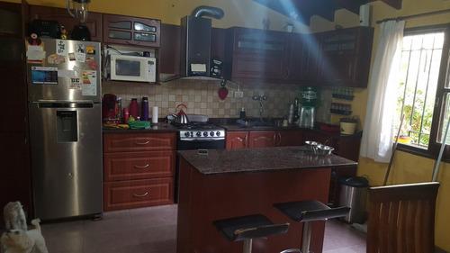 casa de 6 ambientes a la venta en lanus este (116)