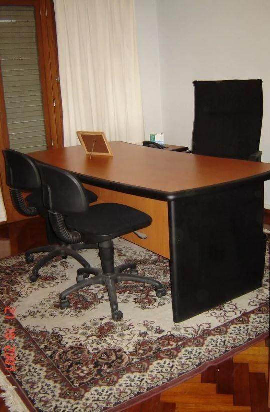 casa de 6 ambientes con oficinas para uso comercial