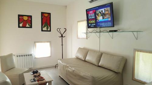 casa de 6 ambientes en lote propio!