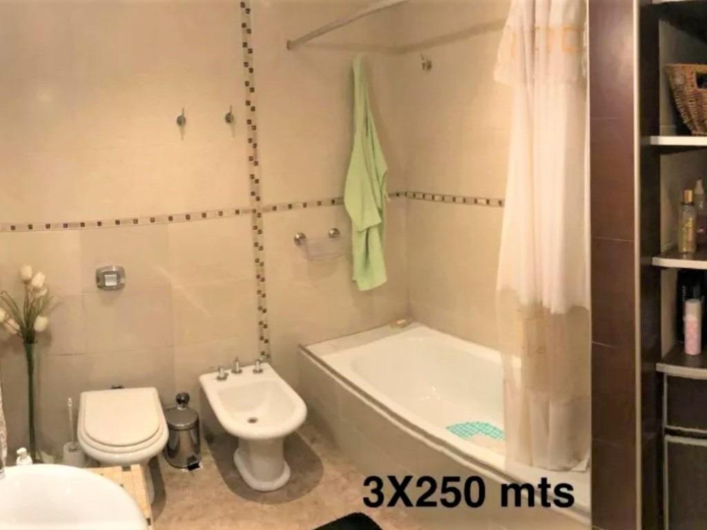 casa de 6 ambientes // haedo // venta