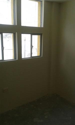 casa de 6 ambientes y 1 1/2 baño con amplias áreas comunales