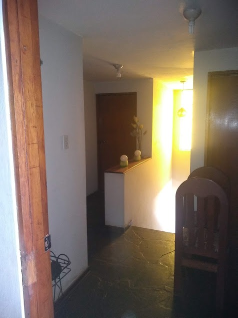 casa de 6 ambientes y 3 baños.