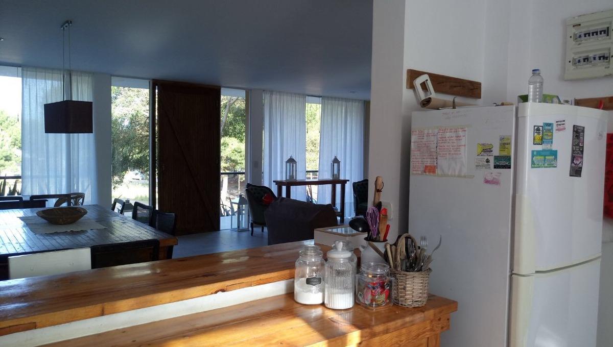 casa de 6 ambientes y 3 banos
