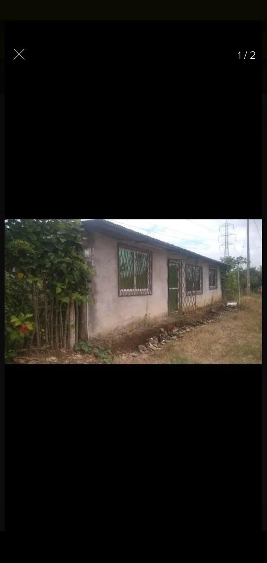 casa de 6 habitaciones 3 baños sala comedor patio