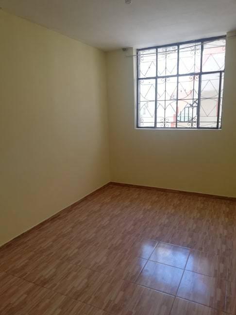 casa de 7 ambientes con 2 baños