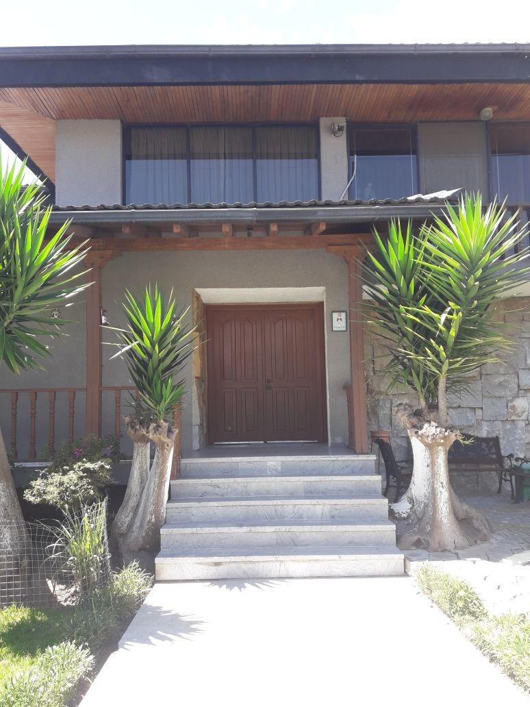 casa de 983 mts en cumbayá, urbanización primavera 1 oferta!
