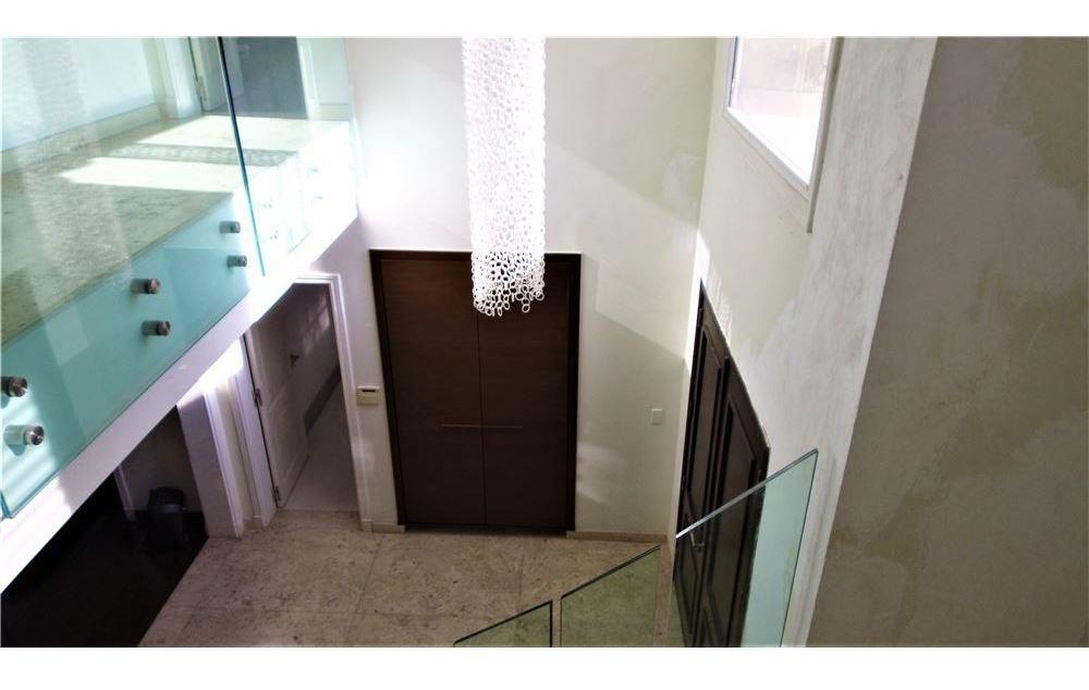 casa de alta categoría en venta - ayres del pilar