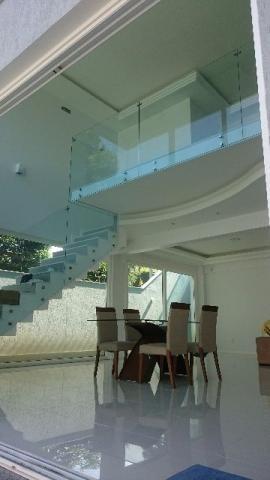 casa de alto padrão de 3 qts e 3 suítes no condomínio gardem