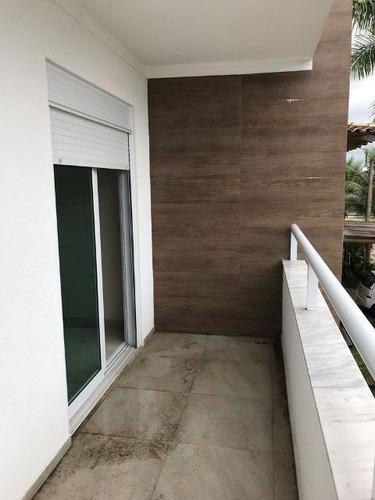casa de alto padrão em condomínio fechado no centro - re3893