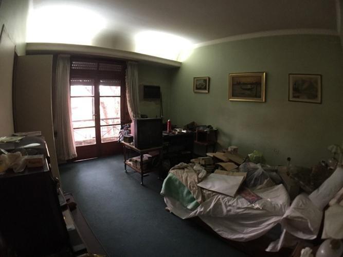 casa de amplios ambientes con patio y terraza 871
