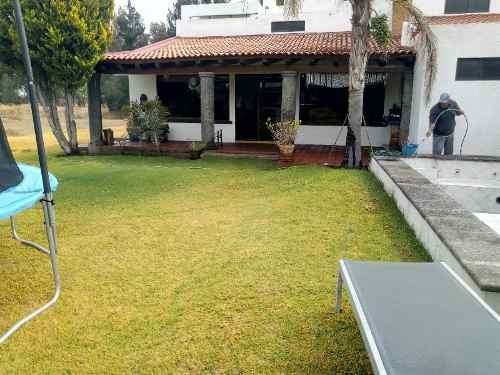casa de campo cerca de la ciudad en la pitahaya