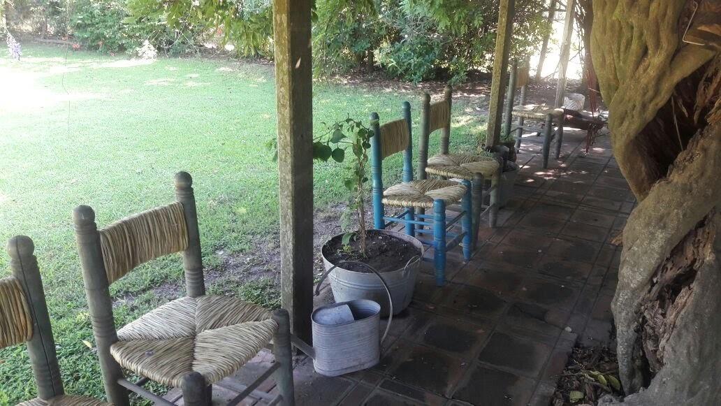 casa de campo con pileta sobre hectárea y media en areco