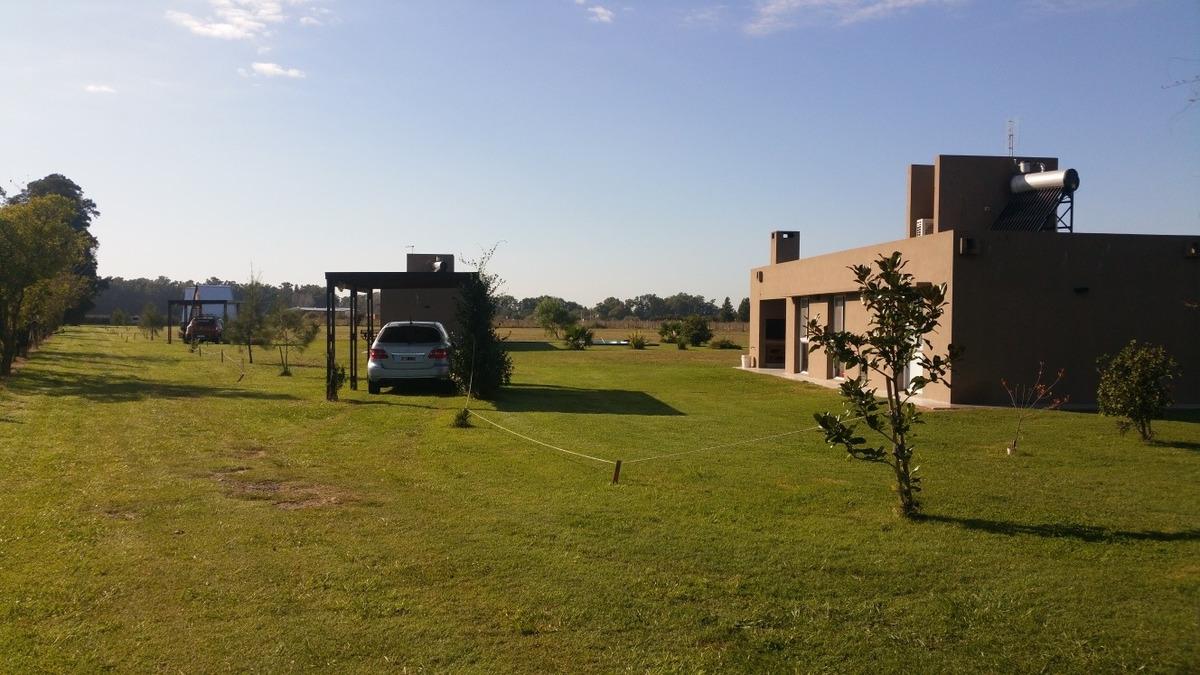 casa de campo para 4 personas y cabañas alpinas para 3