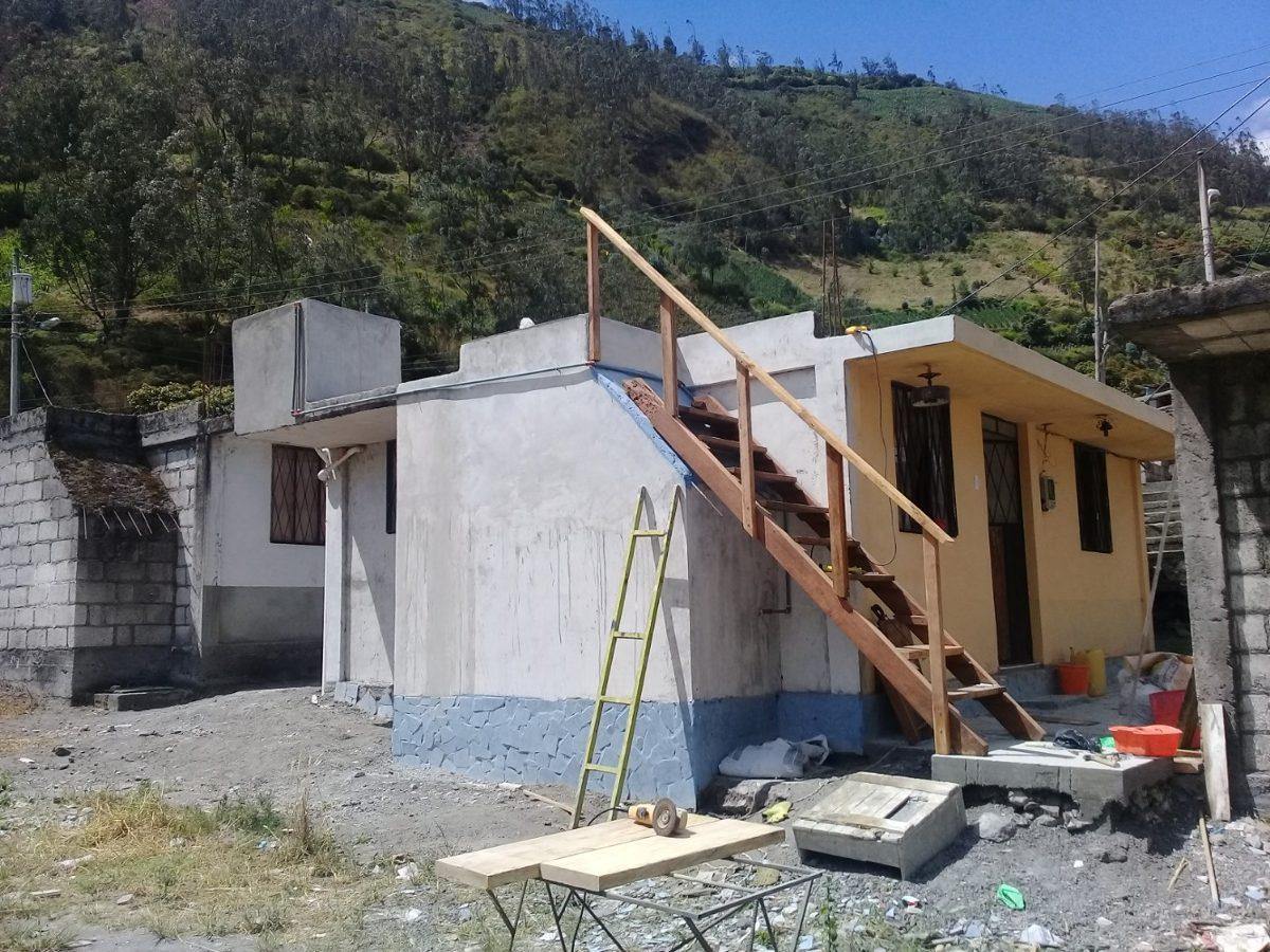 casa de campo vendo o cambio  cerca de  baños  tungurahua a