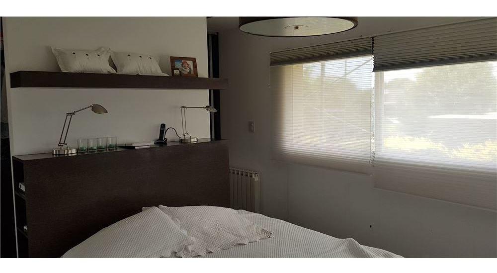 casa de categoria. 4 dormitorios. miraflores