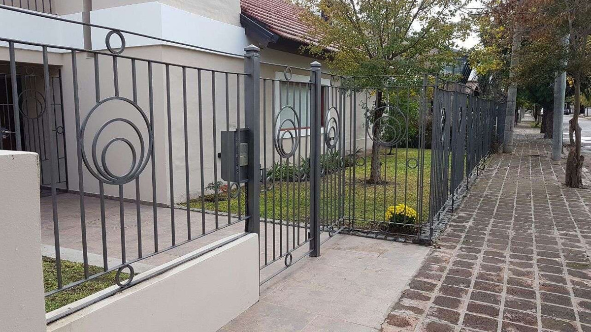 casa de categoria bº urca en venta