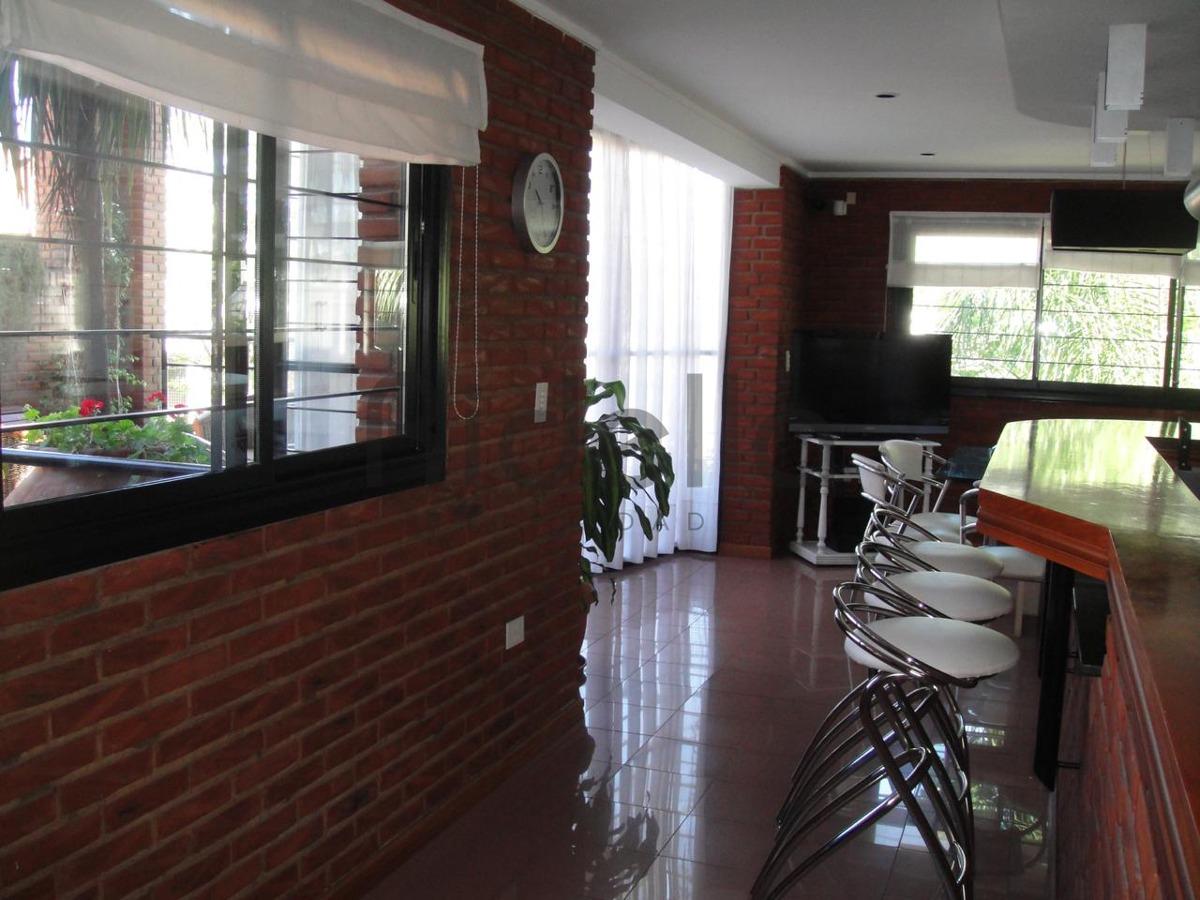 casa de categoría en venta en la plata. 38 29 y 30