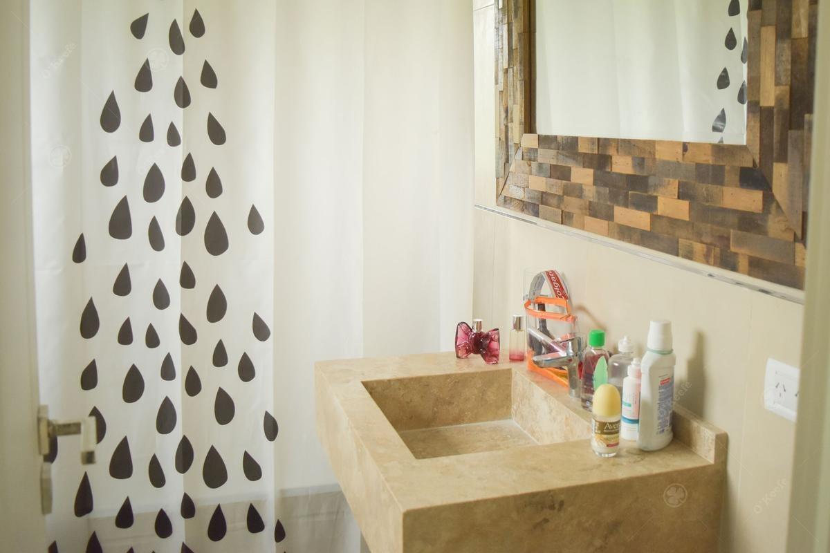 casa de cinco ambientes en venta de estilo moderno