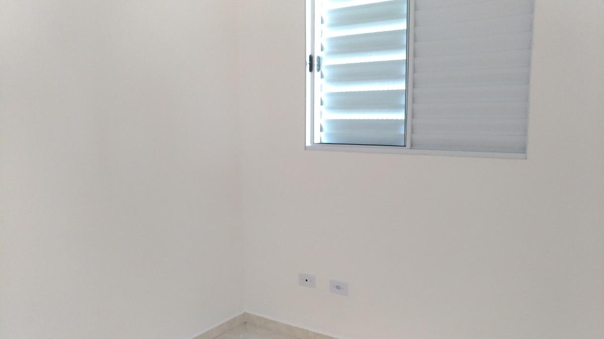 casa de condomínio 2 quartos com garagem