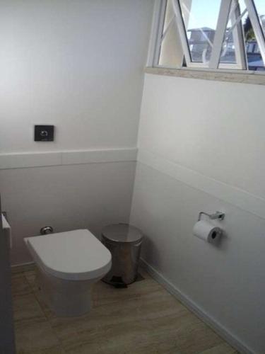 casa de condominio 4 suítes sendo 1 master com closet 480m2 em abrantes - fat190 - 4497611