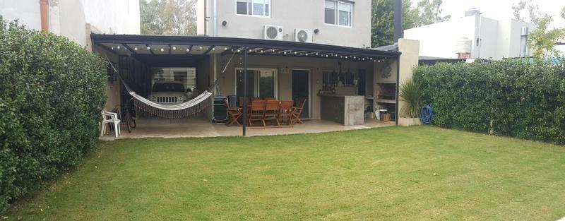casa de cuatro ambientes en venta- villa gobernador udaondo